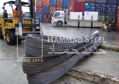 Small-Crane-Carring-Deformed-Steel-Bar-Bundles