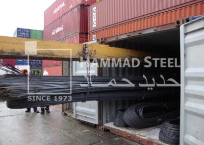 Heavey-Crane-Loading-the-Deformed-Steel-Bar-Bundles-in-Container